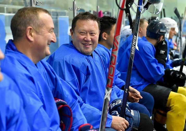 хоккей для взрослых Москва
