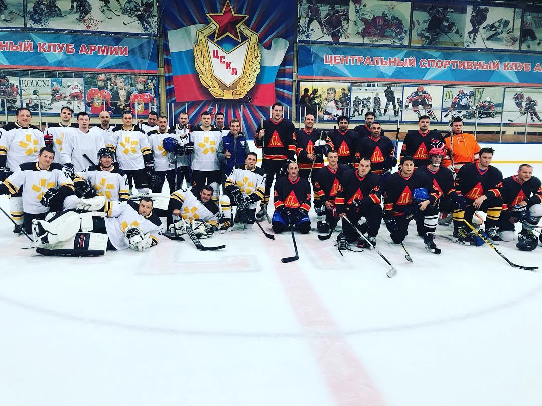Любительская хоккейная лига